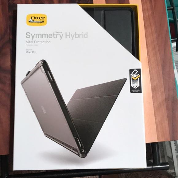 wholesale dealer 5fe5b dee42 iPad Pro 12.9 symmetry Hybrid Case NWT
